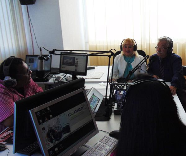 Entrevista de 92.3 Radio Código FM de Valencia